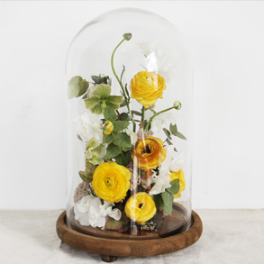 A DIY Floral Cloche Makes for the Perfect Gift
